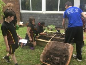 Gardening club 05