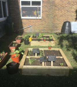 Gardening club 08